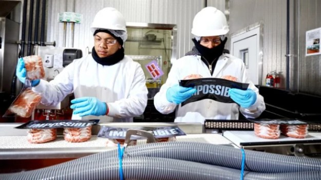 """7-inside-the-lab-where-impossible-foods-makes-its-813x457 Inside the lab where Impossible Foods makes its plant-based """"blood"""" Inspiration"""