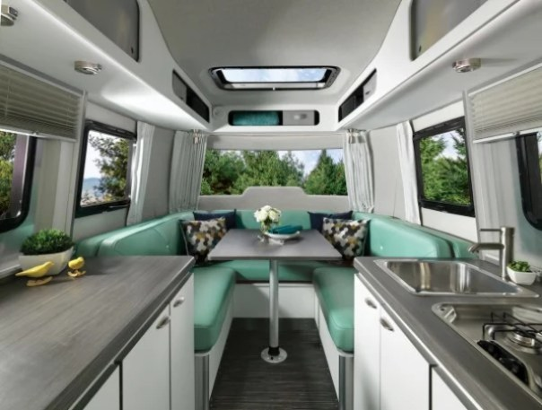 i-2-nest-90265781-airstream-rekindles-its-business-and-the-golden-age-of-adventure-604x457 The second life of Airstream Interior