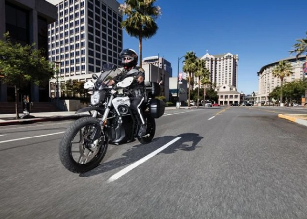 i-2017_zero-police_outdoors-road-640x457 From Zero to sixty: How an electric motorcycle startup is winning over police departments Technology
