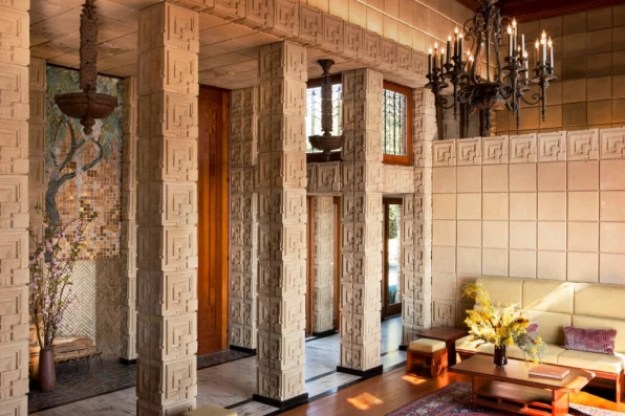 5-buy-a-frank-lloyd-wright-house-only-23-million-1024x682 You can now buy one of Frank Lloyd Wright's most iconic houses Interior