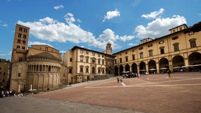 Piazza Grande ad Arezzo - Fidelity Viaggi