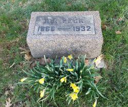Headstone of Miss Ida Peck