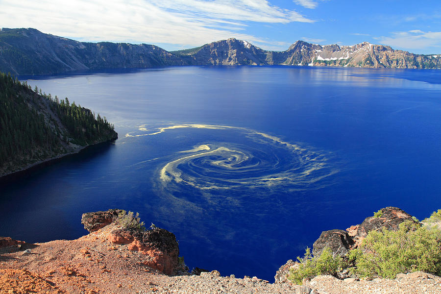 https://i1.wp.com/images.fineartamerica.com/images-medium-large/giant-swirl-of-pollen-at-crater-lake-national-park-pierre-leclerc.jpg