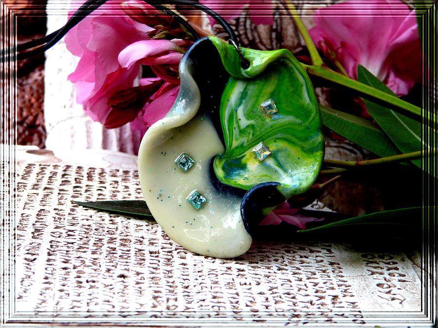 artesanía cerámica verde_flores rosas