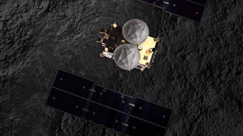 Japans Hayabusa2 brings back black sandy dust from asteroid Ryugu