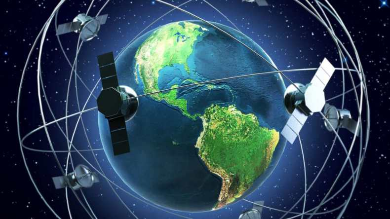 With the Starlink program, Musk plans to launch 4,000 low-orbit satellites in order to give free internet access worldwide.