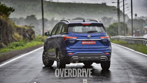 2020-MG-Hector-Plus-14