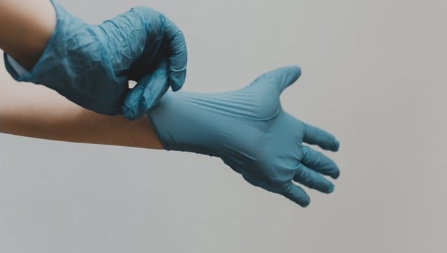 Medical-grade gloves useless for COVID-19 prevention in normal settings; here's why