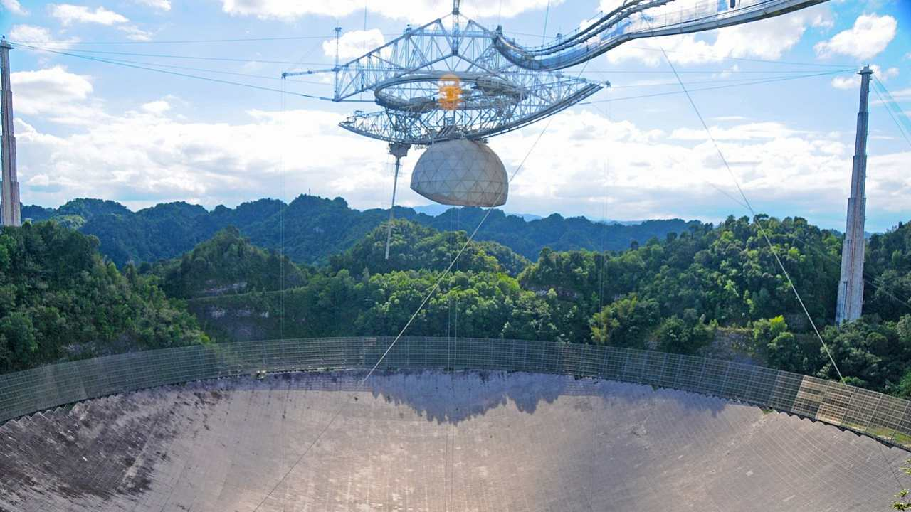 Puerto Rican telescope Arecibo Observatory is falling apart causing scientists to worry about their research- Technology News, Gadgetclock
