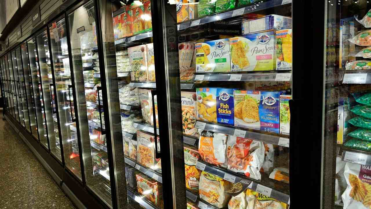 With China ban some frozen foods, can SARS-CoV-2 survive and be transmitted from packaging?