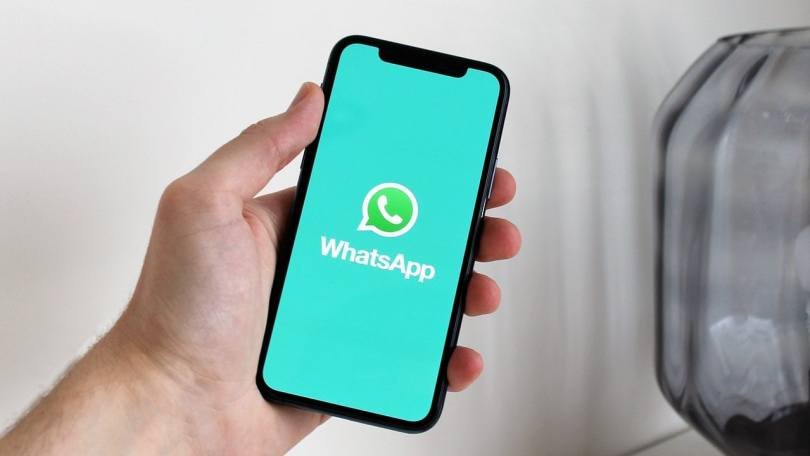 WhatsApp is likely to soon allow users to change colours in the app: Report