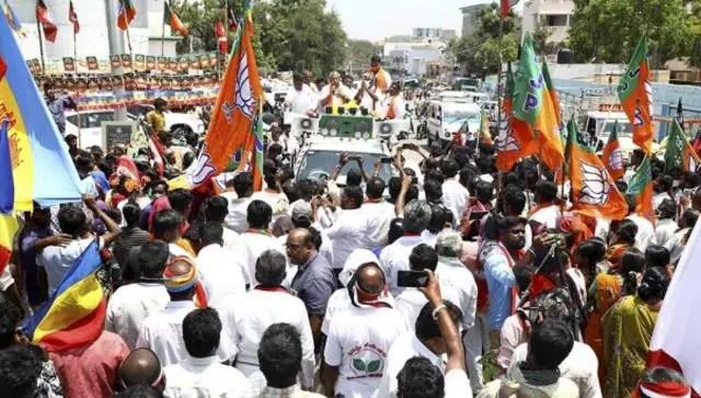 Tika utsav is fine but poll rallies with zero social distancing, no masks big threat to India's war on COVID-19