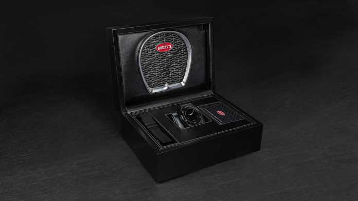 The smartwatch's box is made of sustainable wood and vegan leather, and sports a Bugatti horseshoe grille. Image: Bugatti