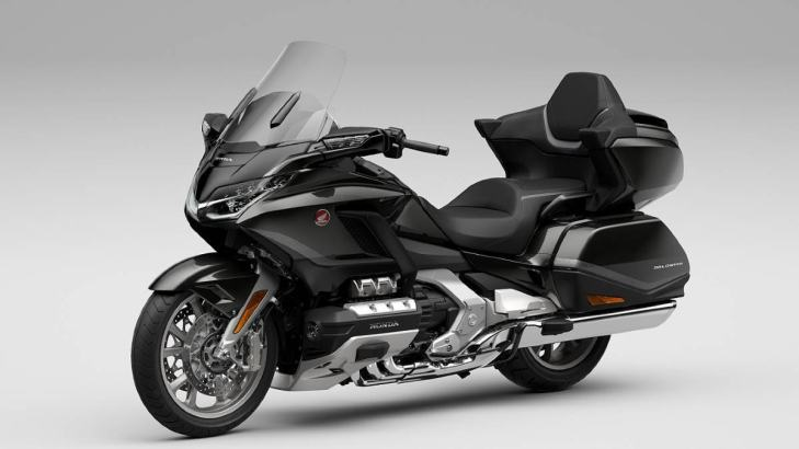 Standard on the 2021 Honda Gold Wing Tour is a full-colour TFT display with Apple CarPlay and Android Auto integration. Image: Honda