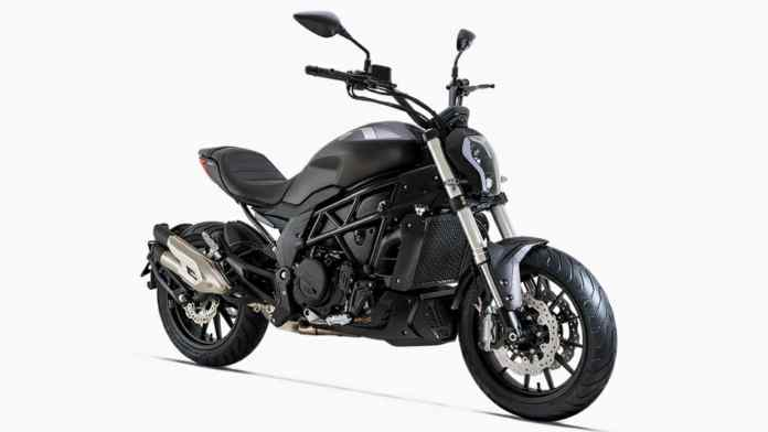The Benelli 502C derives clear design inspiration from the Ducati Diavel. Image: Benelli