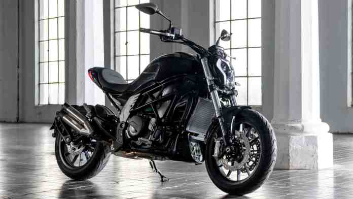 The Benelli 502C has the same wheelbase length as the bike it derives design inspiration from - the Ducati Diavel. Image: Benelli