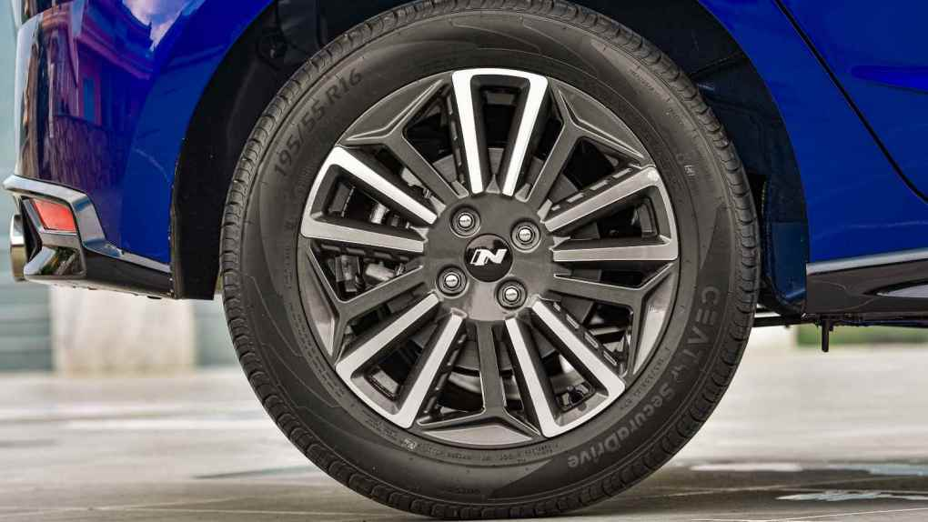 Rear disc brakes are one of the biggest mechanical additions for the i20 N Line. Image: Hyundai