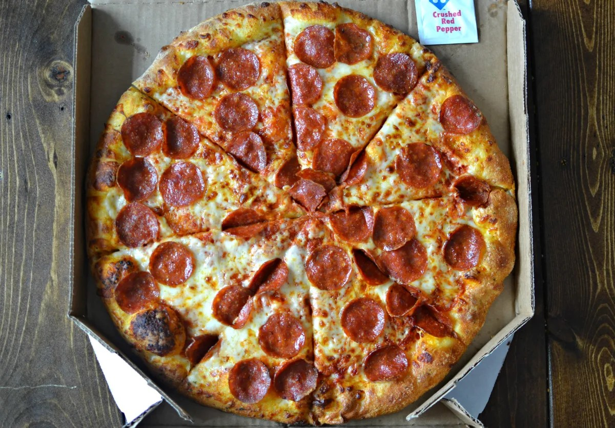 Domino S Vs Pizza Hut Crowning The Fast Food Pizza King