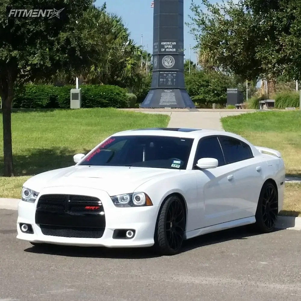 2013 Dodge Charger 24
