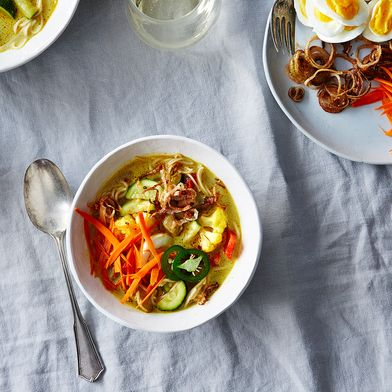 Khao Suey (Burmese Style Curried Noodle Soup)
