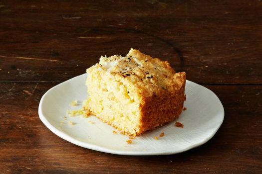 13 Best Thanksgiving Bread Recipes From Cornbread to Dinner Rolls 3