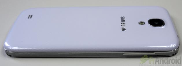 Samsung-Galaxy-S4-Gauche