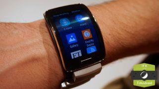 Galaxy-Gear-S-IFA-0010