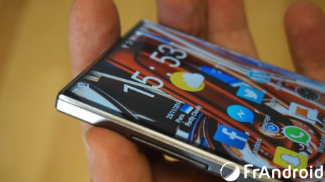 Sharp-Aquos-Crystal08