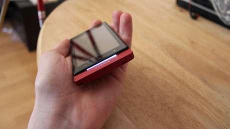 Sony-Xperia-Sola-angle