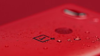 oneplus-5t-lava-red-limited-edition-img-07