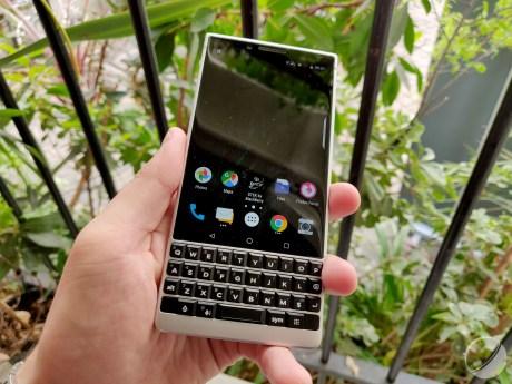 blackberry-key2- (16)