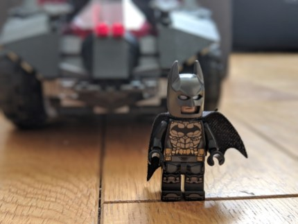 Test Lego DC COMICS Super Heroes Batmobile radiocommandée mini figurine Batman