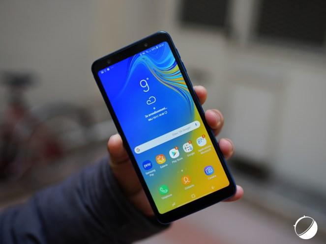 Samsung Galaxy A7 (2018) bia