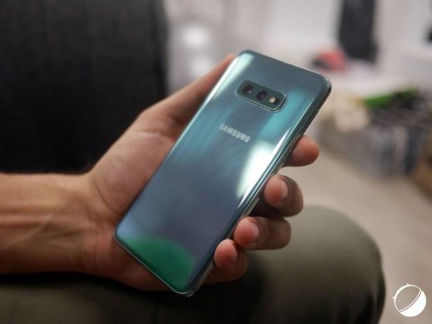 Samsung Galaxy S10e dos
