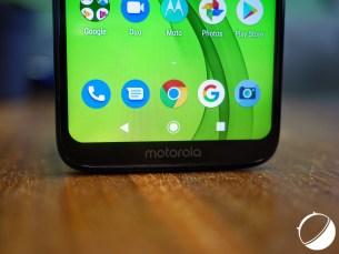 """Le logo Motorola offre au menton une sorte """"d'alibi"""""""