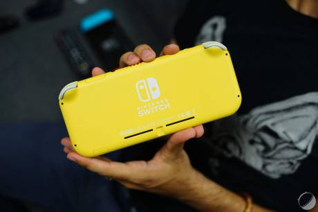 c_Nintendo Switch Lite - FrAndroid - DSC01676
