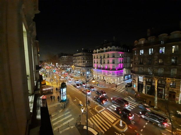 boulot rue nuit ultra grand-angle