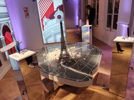 Huawei flagship store maquette