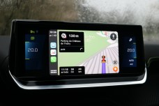 Apple CarPlay Peugeot e-2008