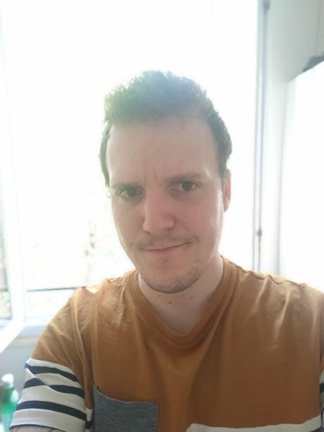 Selfie en mode portrait sur l'Oppo Find X2 Pro