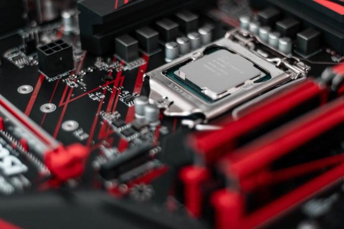 Here a ninth generation Intel processor, for illustration // Credit: Christian Wiediger - Unsplash