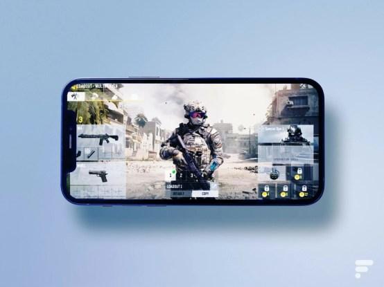 """Call of Duty mobile est """"mangé"""" par l'encoche de l'iPhone 12 // Source : Frandroid / Arnaud Gelineau"""