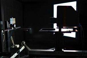 La boîte noire pour tester la luminosité d'un écran de smartphone // Source : DxOMark