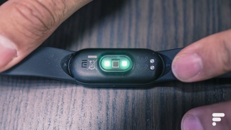xiaomi mi smart band 5 verso scaled - Xiaomi Mi Smart Band 5 test: our full review - Connected Watches / Bracelet - Frandroid