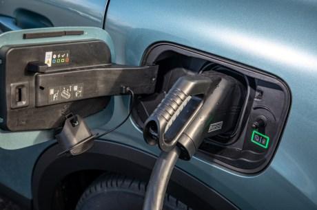 La prise de recharge de la Citroën ë-C4 // Source : Citroën France