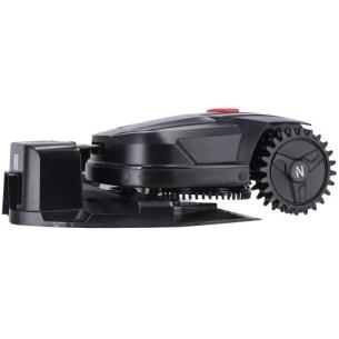 Le robot tondeuse Novarden NRL 250 Connect et sa base de chargement // Source : Novarden