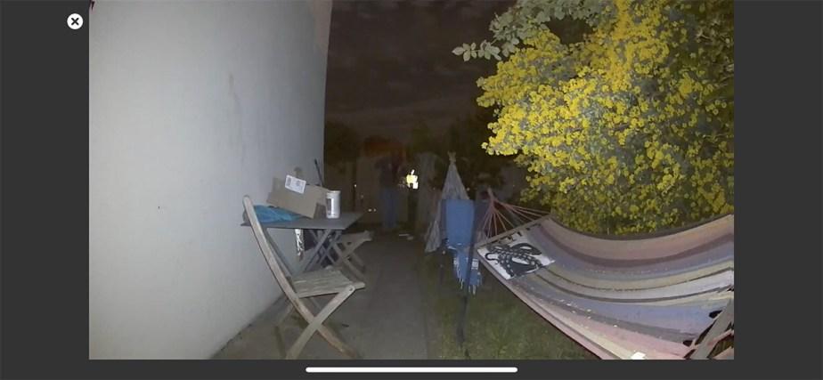 La détection de mouvement en extérieur avec projecteur activé à 5 m // Source : Frandroid / Yazid Amer