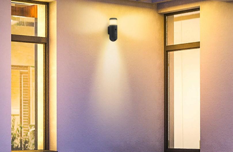 La Rheita 100 propose une caméra de surveillance, un double éclairage et une sirène