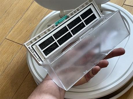 Le filtre occupe toute la longueur du bac à poussière // Source : Frandroid / Yazid Amer
