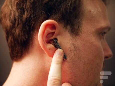 Les écouteurs Huawei FreeBuds 4 se contrôlent au tactile
